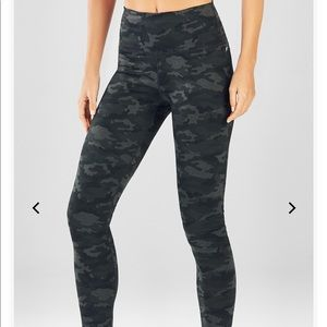 Fabletics Camo Powerhold Leggings Size XXS NWT